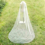 Fangsen Wedding Bridal Veil with Comb 1 Tier Bridal Fingertip veil (Fingertip&Cathedral Length)